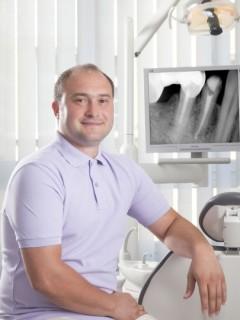 д-р Васил Кабакчиев