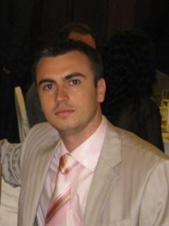 д-р Леонид Николаев